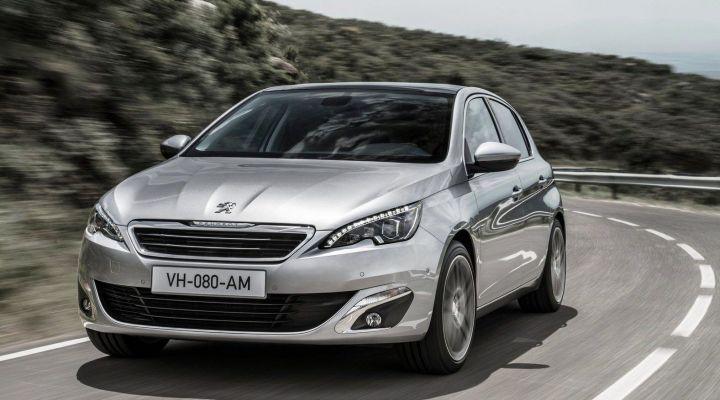 16 октября в России начались продажи нового Peugeot 308