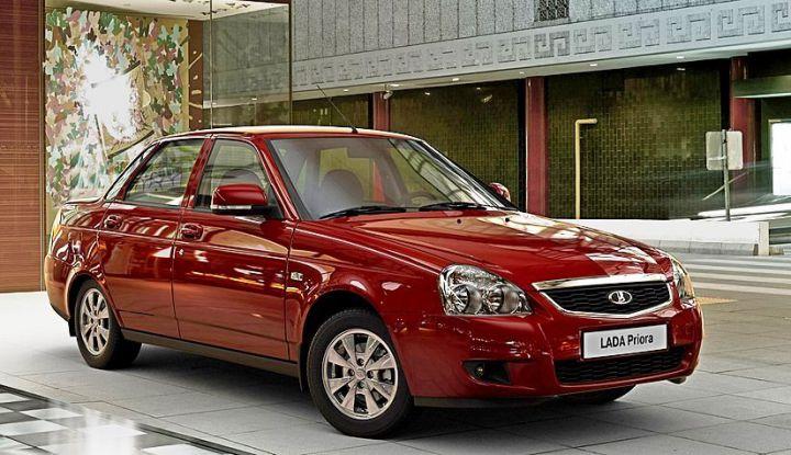 «АвтоВАЗ» остановил выпуск Lada Priora из-за низкого спроса