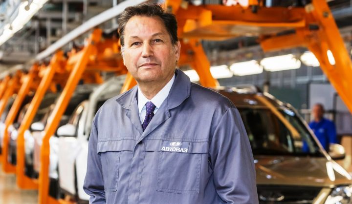 «АвтоВАЗ» увеличивает до 712 000 машин план выпуска на 2015 год