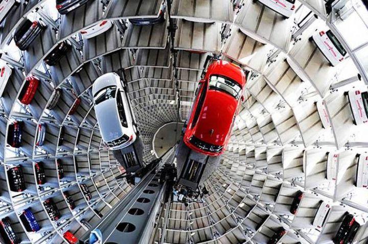 Авторынок легковых авто в России в ноябре упал на 1,1%