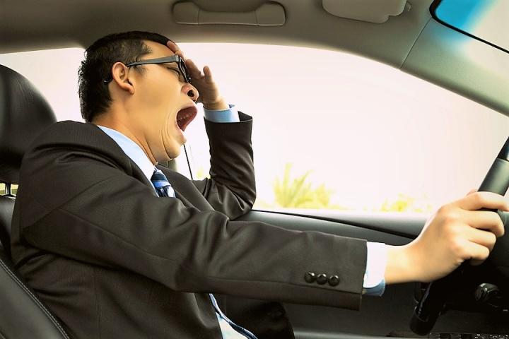 Более 30% российских водителей хотя бы раз засыпали за рулем