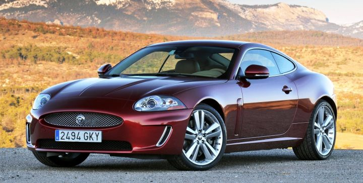 Jaguar Land Rover отзывает более 104 тысяч автомобилей