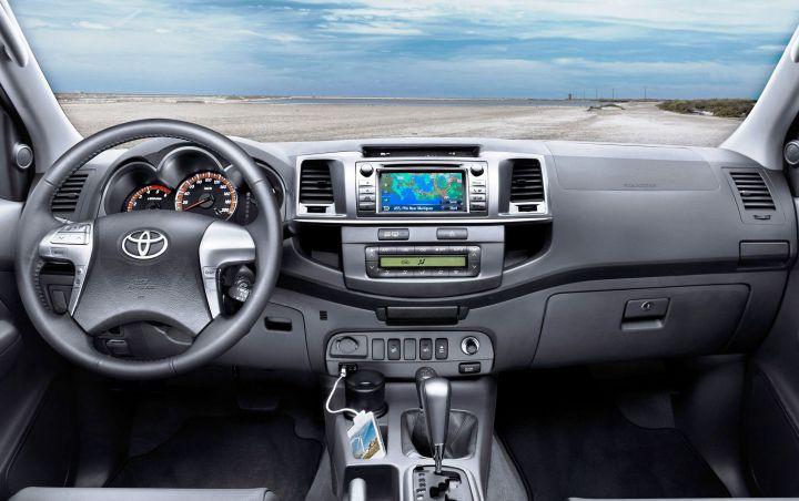 Обновленный пикап Toyota Hilux приходит в Россию