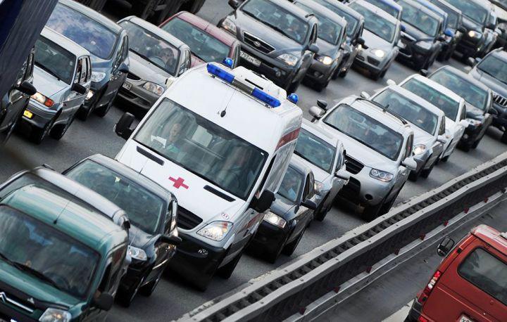 Правительство РФ планирует увеличить наказание водителей, не пропустивших скорую помощь