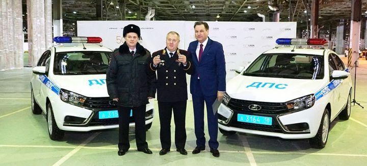Удмуртских стражей порядка посадили на Lada Vesta