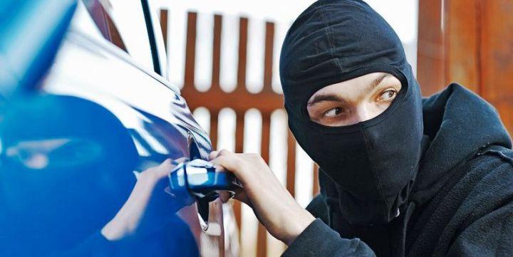 Угонщики будут возмещать автовладельцам матераильный вред