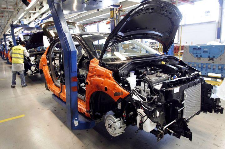 В 2015 году 2,5 тысячи работников Peugeot могут остаться без работы