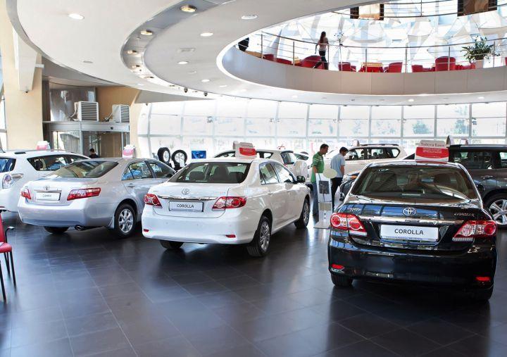 В 2015 году россияне купили новых авто на 1,3 триллиона рублей