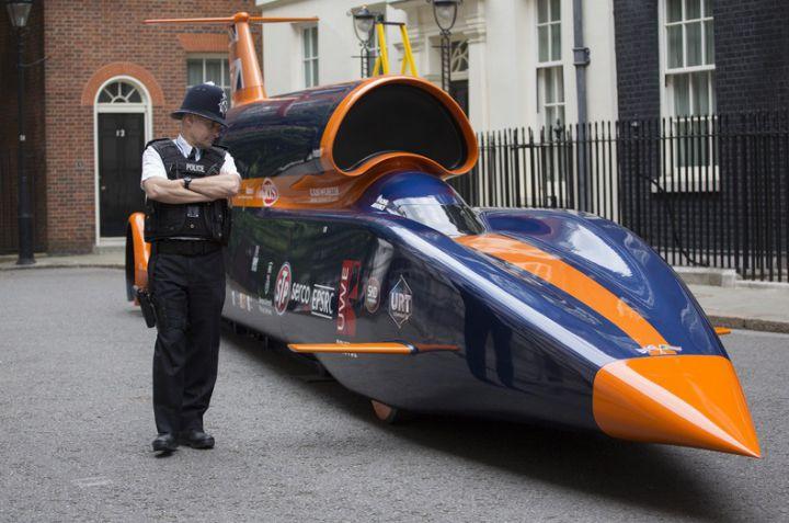 В Лондоне показали сверхзвуковой автомобиль