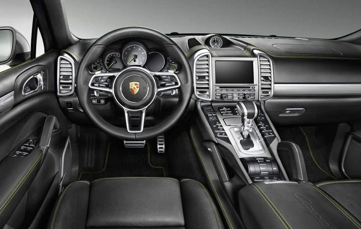 В Париже Porsche представит новый Cayenne S E-Hybrid
