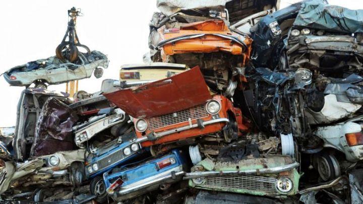В России временно приостановили программу автоутилизации