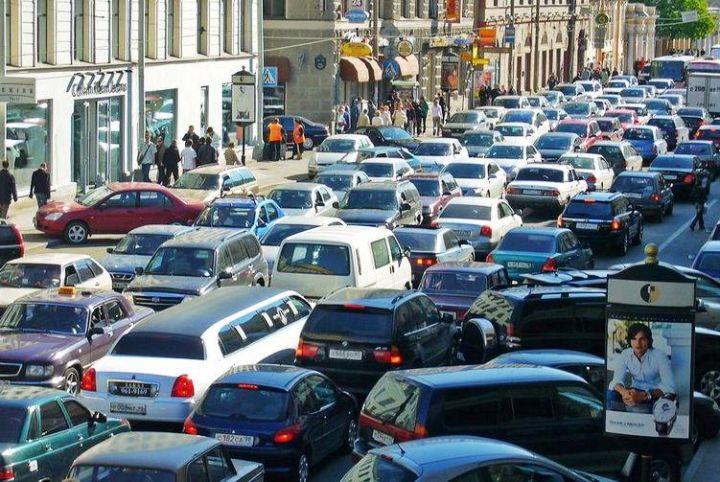 В Санкт-Петербурге максимальная плата за парковку составит 100 рублей