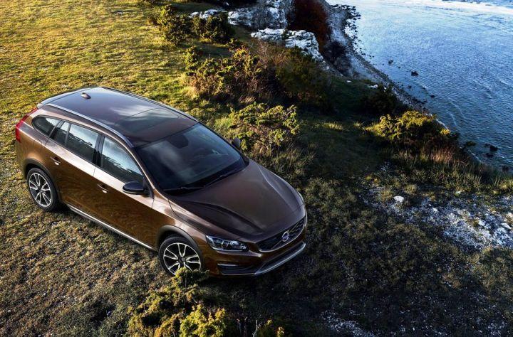 Volvo V60 получил «вседорожную» модификацию Cross Country