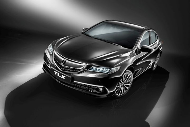 Объявлены российские цены на бизнес-седан Acura TLX
